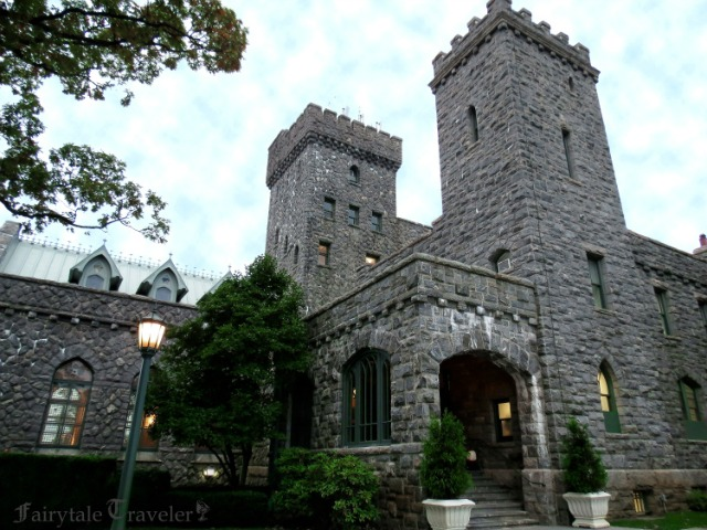 fairytale places the castle hotel and spa in tarrytown ny. Black Bedroom Furniture Sets. Home Design Ideas