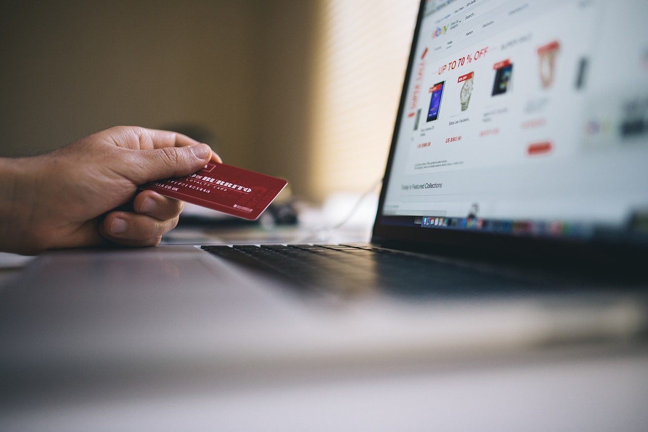 best UAE credit cards for travel