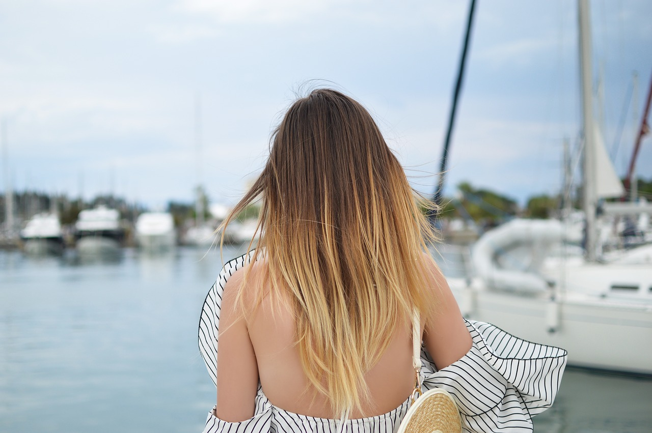 what to wear when traveling on a sailboat