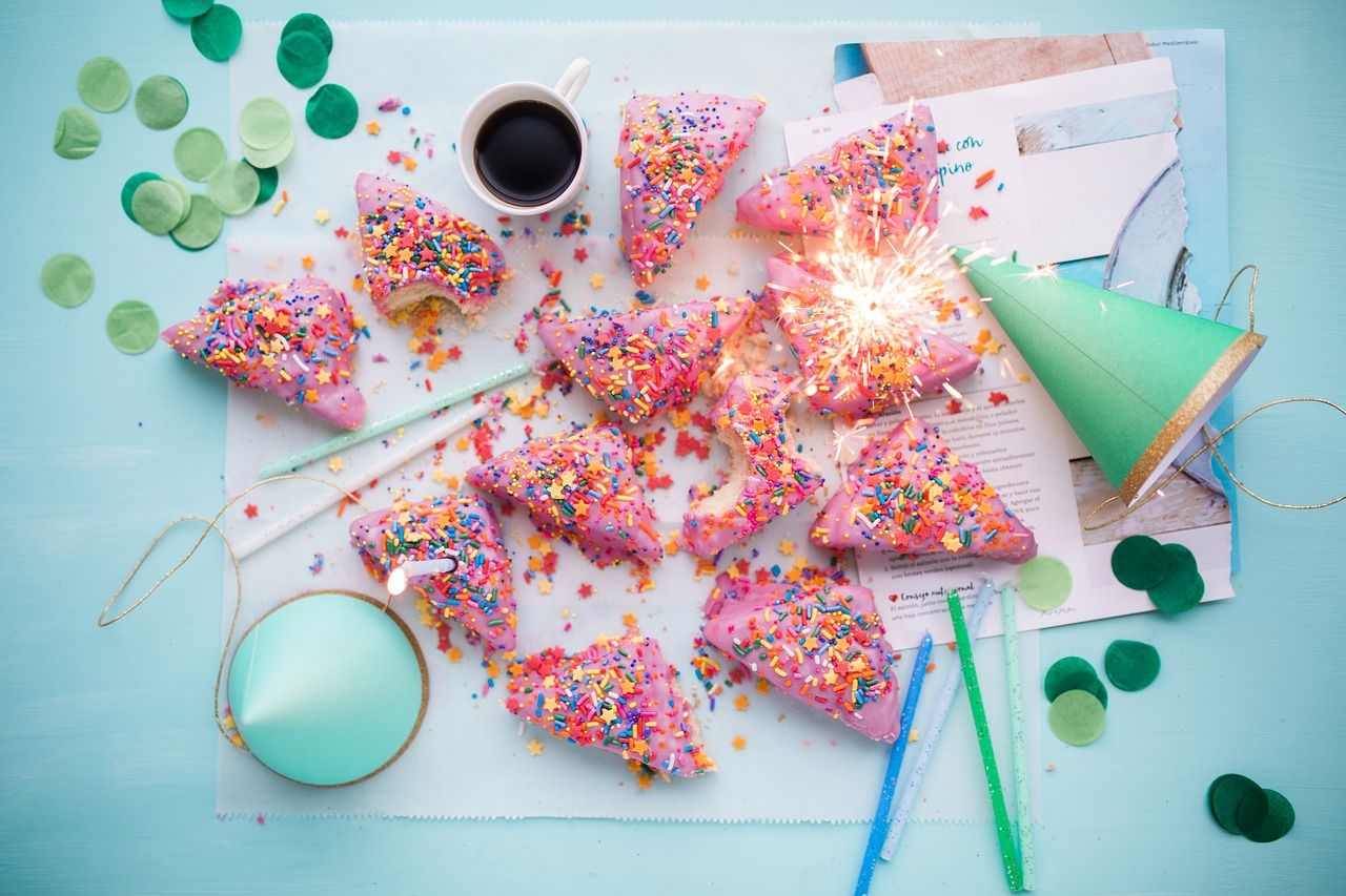 cakes, party, surprise party tips