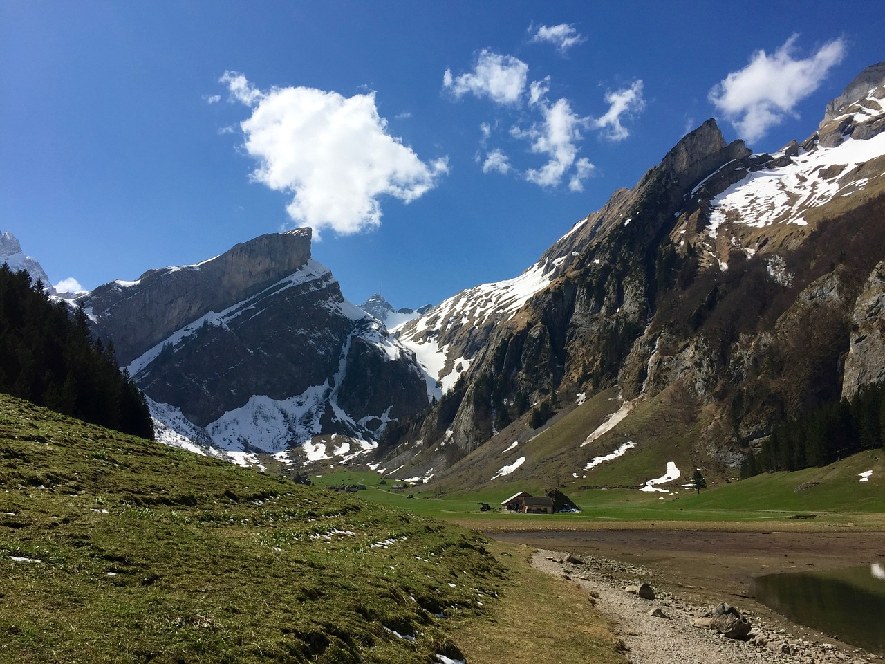 Hut-to-Hut Hikes in the Alps